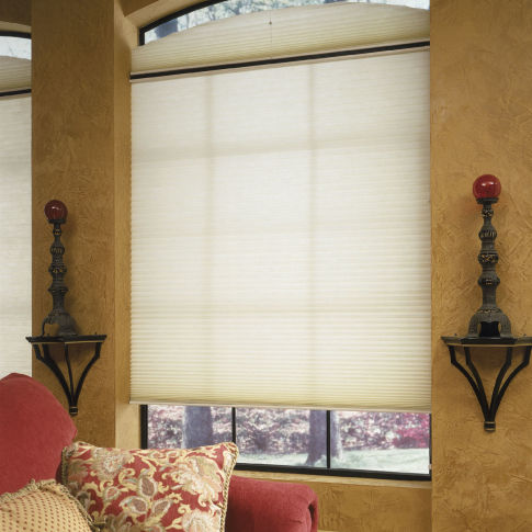 "BlindSaver Advantage 3/4"" Single Cell Light Filtering Shades Room Setting"