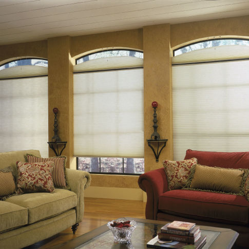 "Finecraft Signature Collection 3/4"" Single Cell Light Filtering Shades Room Setting"